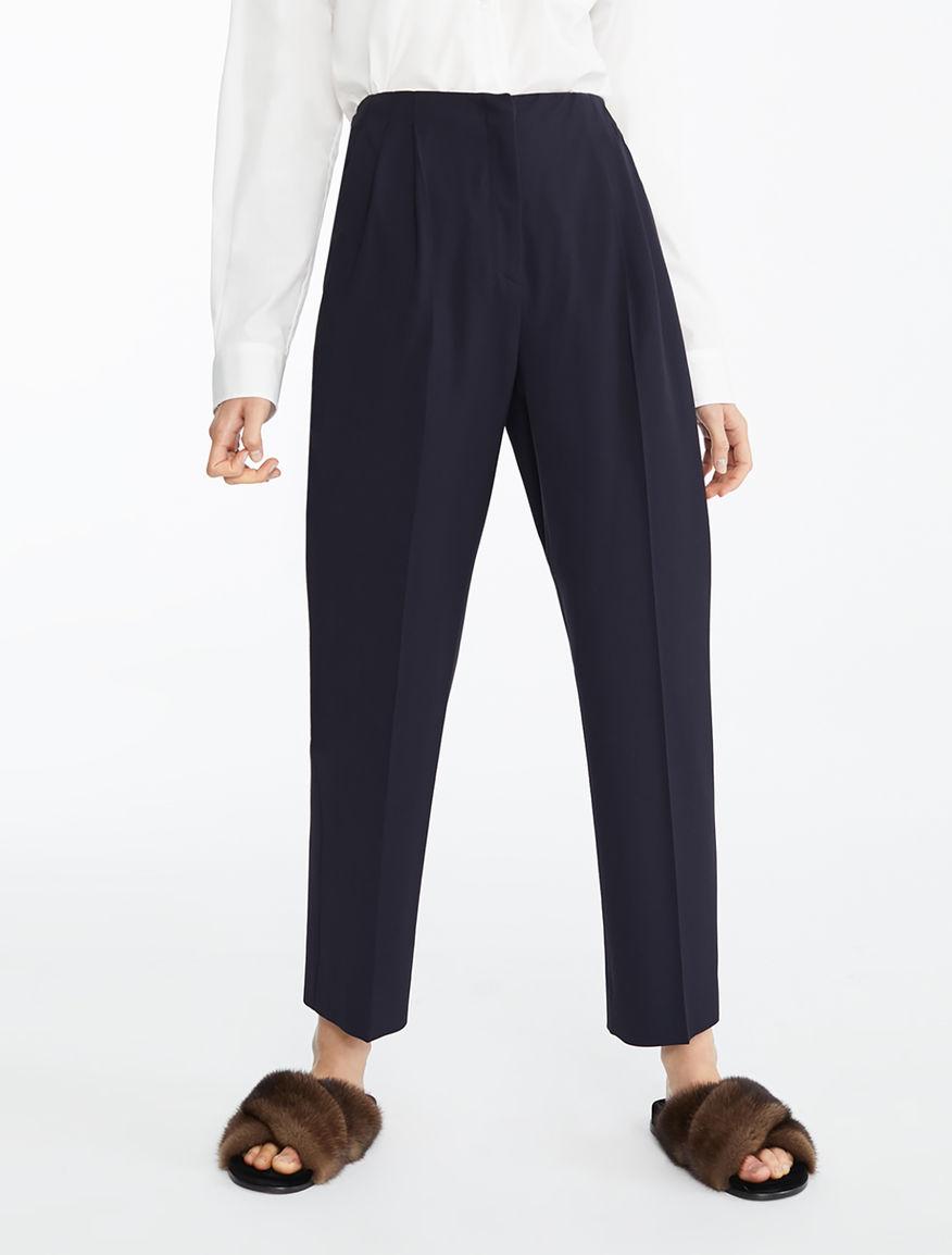 Pantaloni classici e Jeans casual  a2e9b85fd20