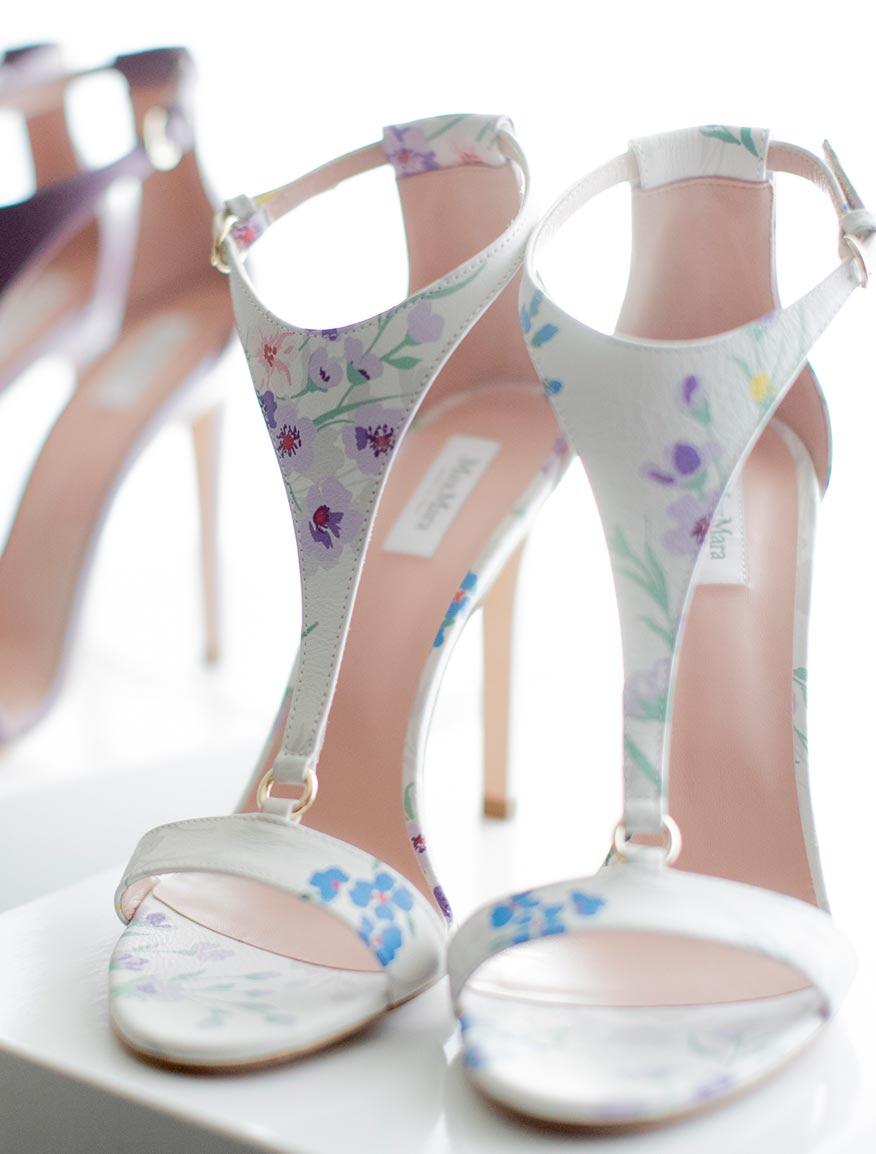 Sandale aus bedrucktem Leder