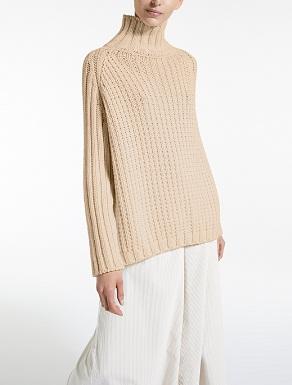 Wool yarn pullover